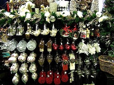 ornaments1-min